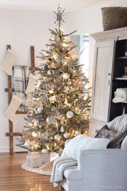 Brad de Crăciun Rustic foarte elegant