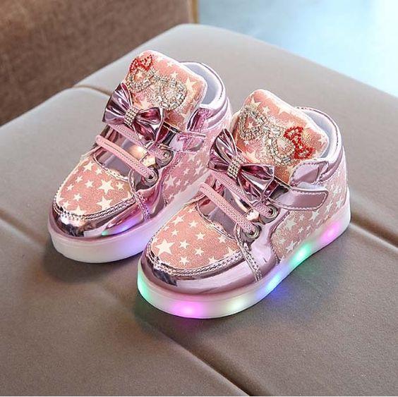 adidasi cu luminite cadou bebelusi